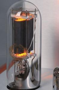 Âm ly đèn điện tử – Sự hồi sinh kỳ diệu